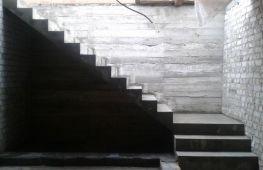 Лестница в стиле лофт: особенности конструкции, достоинства и недостатки