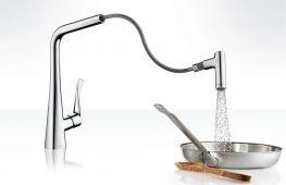 Как выбрать и установить на кухонной мойке смеситель с душем