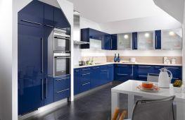 Безмятежность и загадочность синей кухни