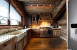 Стиль шале: особенности оформления интерьера кухни