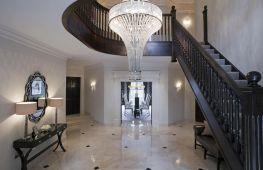 Особенности дизайна холла частного дома