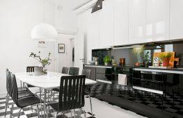 Черно-белое оформление кухни – стильно и универсально