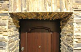 Откосы для входной двери: способы отделки и популярные материалы