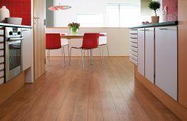 Выбираем ламинат для использования на кухне: плюсы, класс прочности, иные особенности