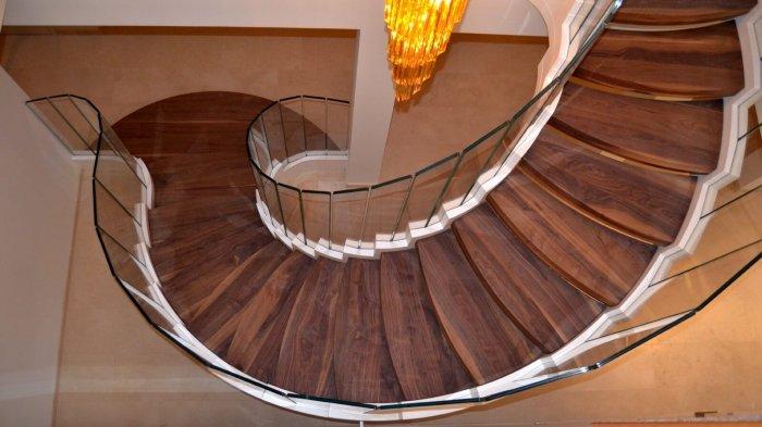 Большой выбор материалов и дизайнерских решений позволяет создать эксклюзивную модель