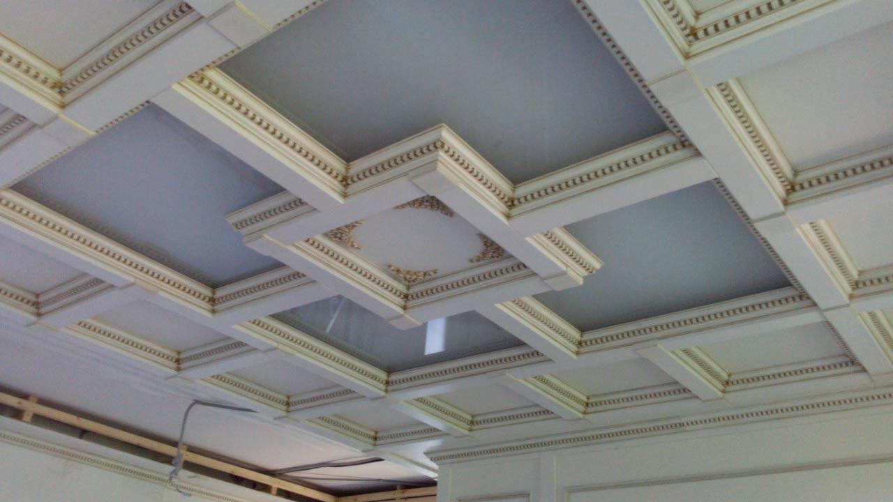особенности потолков