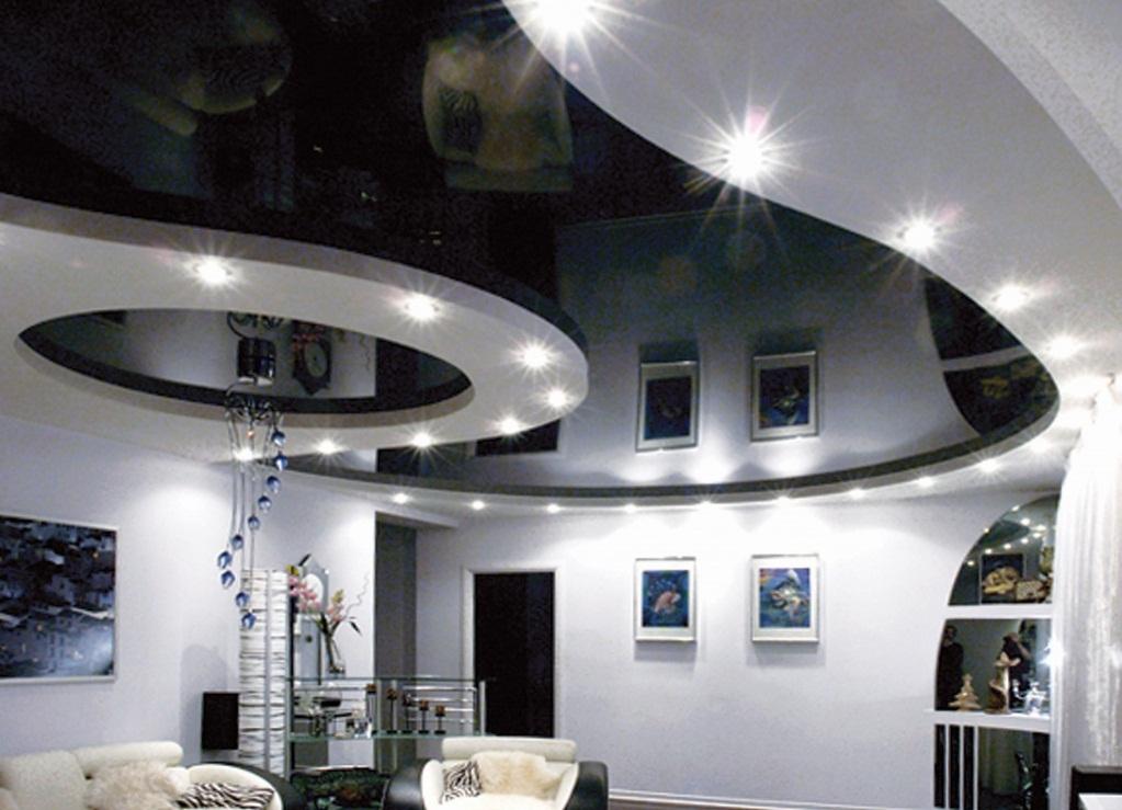 черно белый потолок