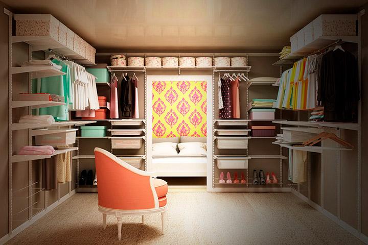 просторная комната для хранения вещей