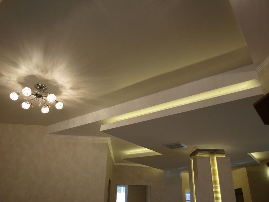 потолок в доме