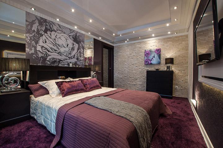 каменная плитка в спальне