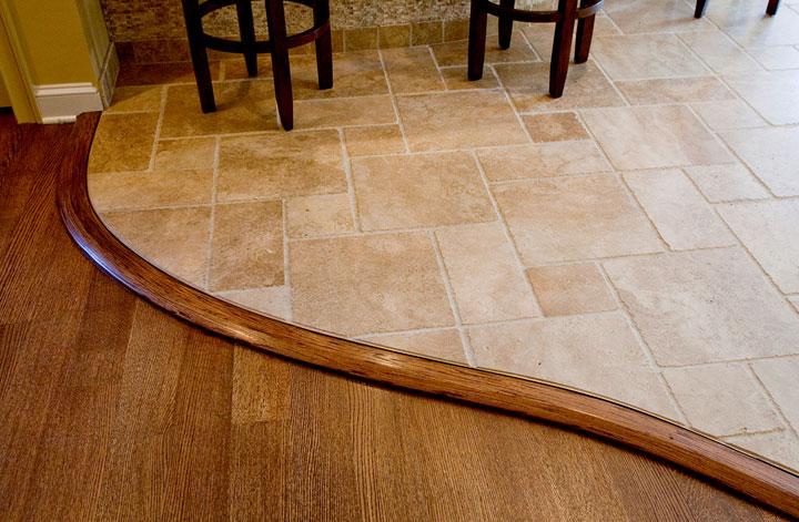 ламинат и плитка на полу