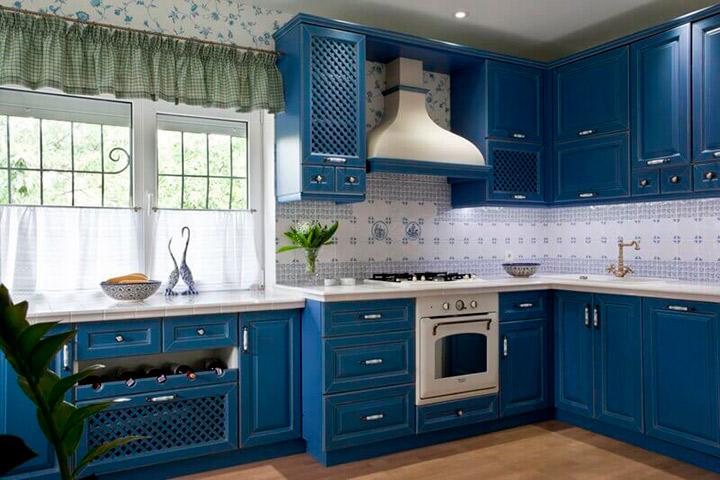синяя мебель прованс