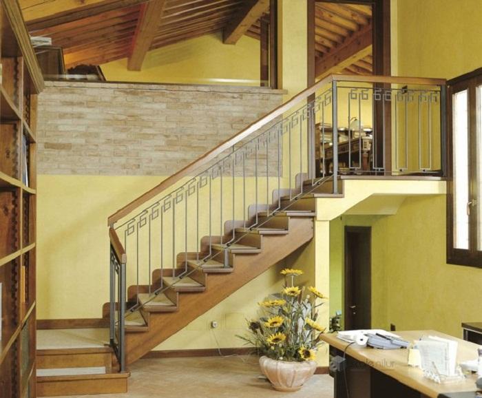 Маршевая лестница на мансарду